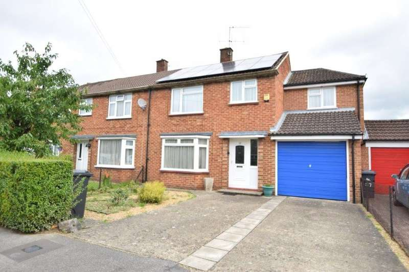 5 Bedrooms Semi Detached House for sale in Dawes Moor Close, Slough, SL2