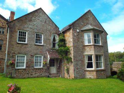 5 Bedrooms Detached House for sale in Devon