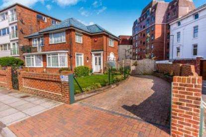 4 Bedrooms Detached House for sale in Southsea, Hampshire, United Kingdom