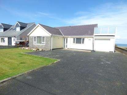 3 Bedrooms Detached House for sale in Rhodfa'r Mor, Nefyn, Pwllheli, Gwynedd, LL53