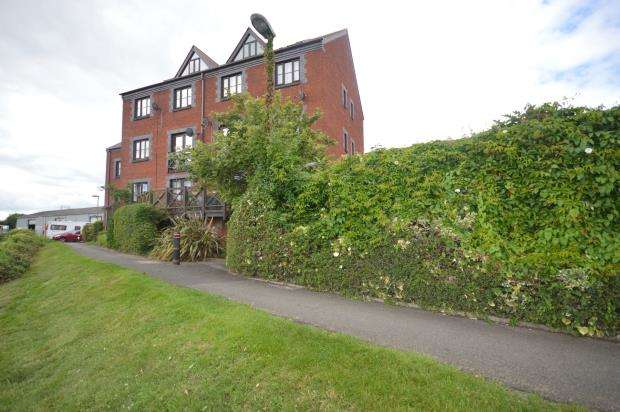 2 Bedrooms Flat for sale in River Meadows, Water Lane, Exeter, Devon