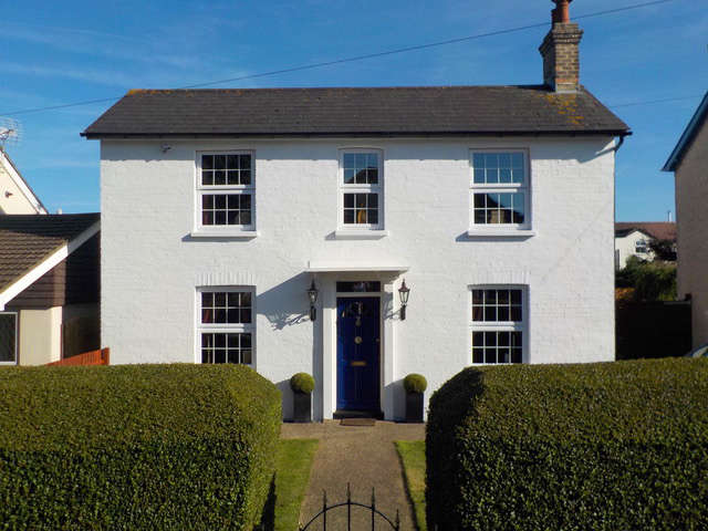 4 Bedrooms Detached House for sale in Windham Road,