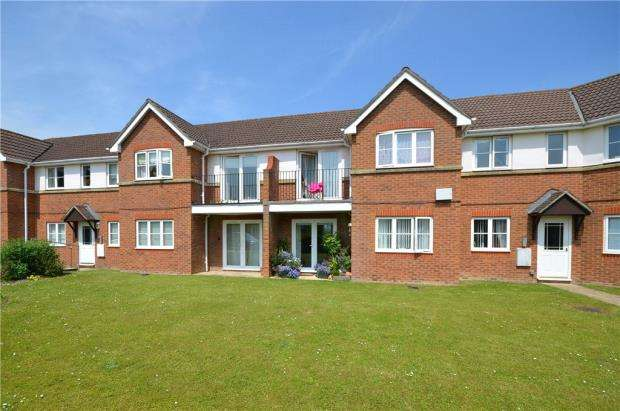 2 Bedrooms Apartment Flat for sale in Clover Leaf Way, Old Basing, Basingstoke