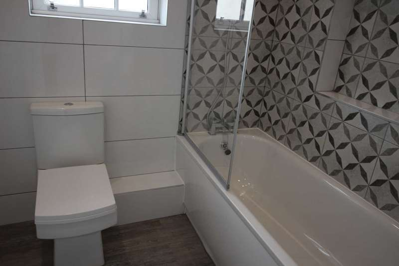 3 Bedrooms Apartment Flat for rent in Kapa House, 120A Oxford Road, Reading