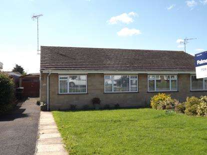 2 Bedrooms Bungalow for sale in Gillingham