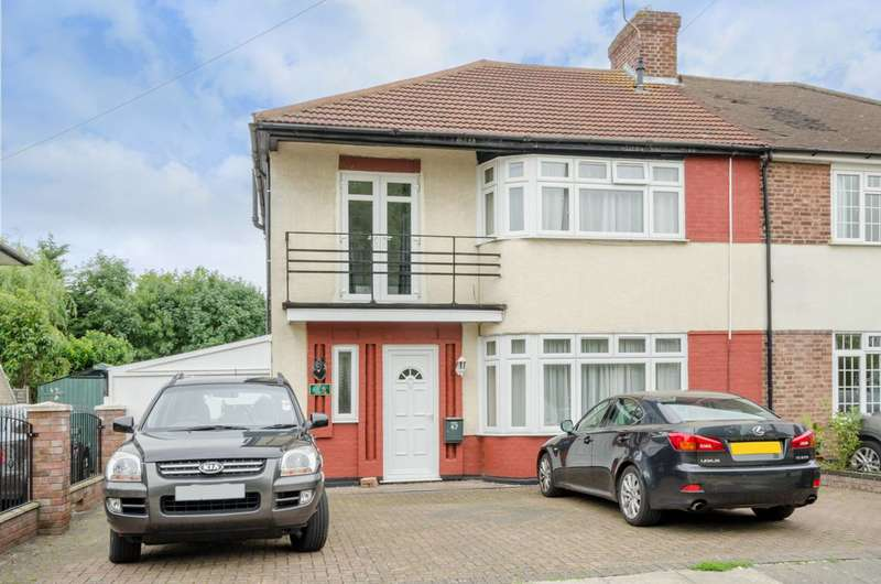 3 Bedrooms House for sale in Chalkwell Park Avenue, Enfield Town, EN1