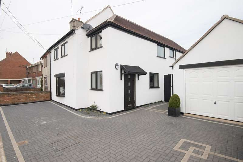 4 Bedrooms Semi Detached House for sale in Lentons Lane, Coventry, West Midlands, CV2