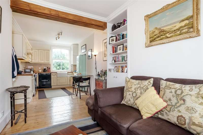 2 Bedrooms Flat for sale in Tremlett Grove, London
