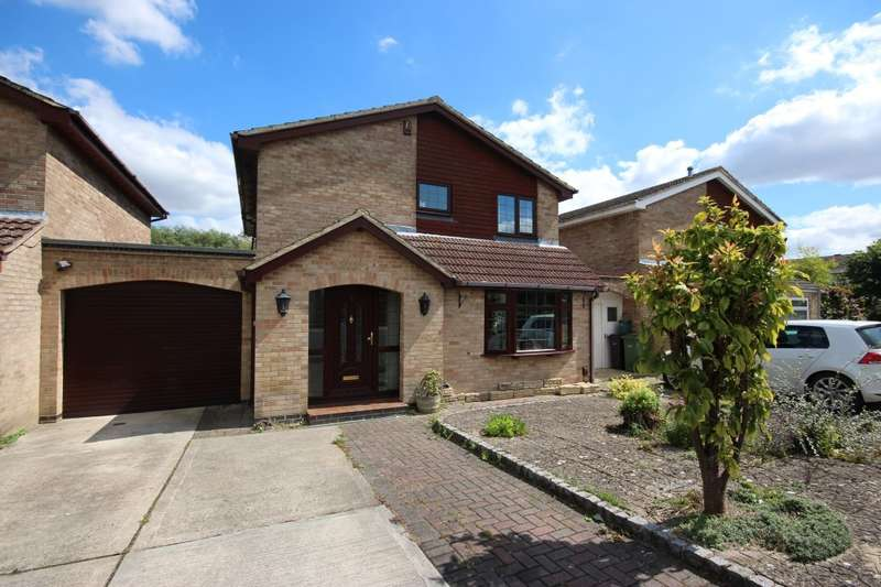 4 Bedrooms Detached House for sale in Lime Tree Close, Grove, Wantage, OX12