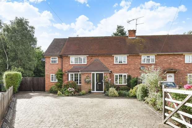 5 Bedrooms Semi Detached House for sale in Grove Close, Crowthorne / Wokingham, Berkshire