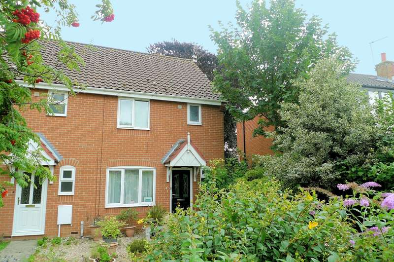 3 Bedrooms House for sale in The Street, Acle, Norwich, NR13