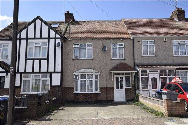 4 Bedrooms Terraced House for sale in Greenway, KENTON, Middlesex, HA3 0TT