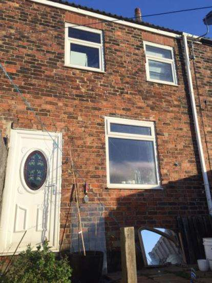 3 Bedrooms Terraced House for sale in Railway Cottages, Dubmire, Houghton Le Spring, Tyne and Wear, DH4