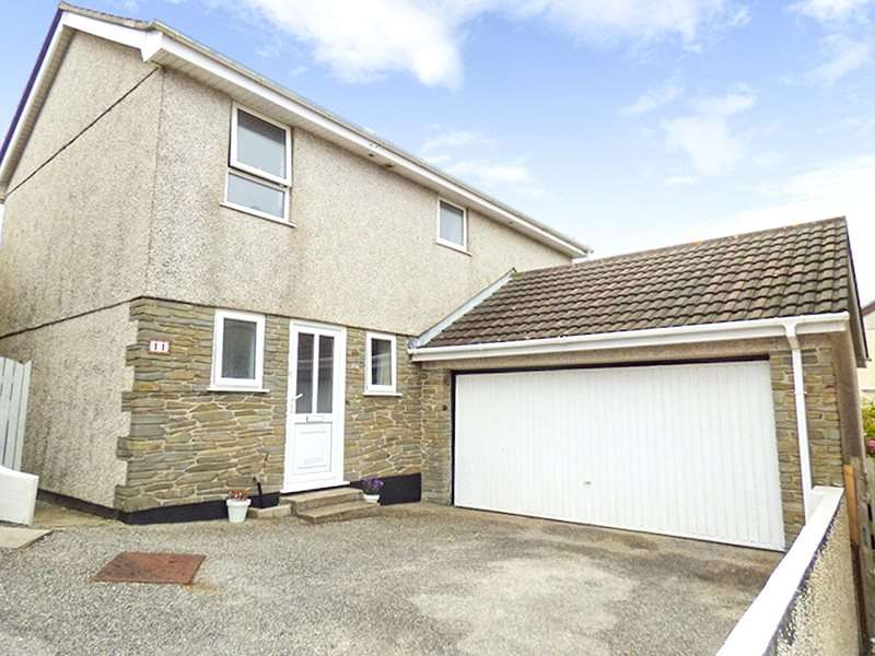 4 Bedrooms Detached House for sale in St Georges Hill Close, Perranporth