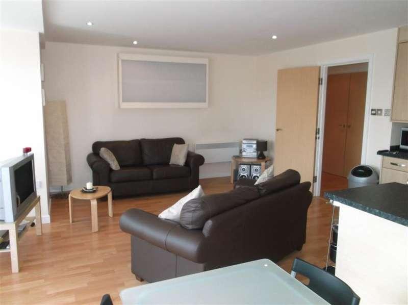 2 Bedrooms Flat for rent in Albion Street, Leeds, West Yorkshire, LS2 8ES