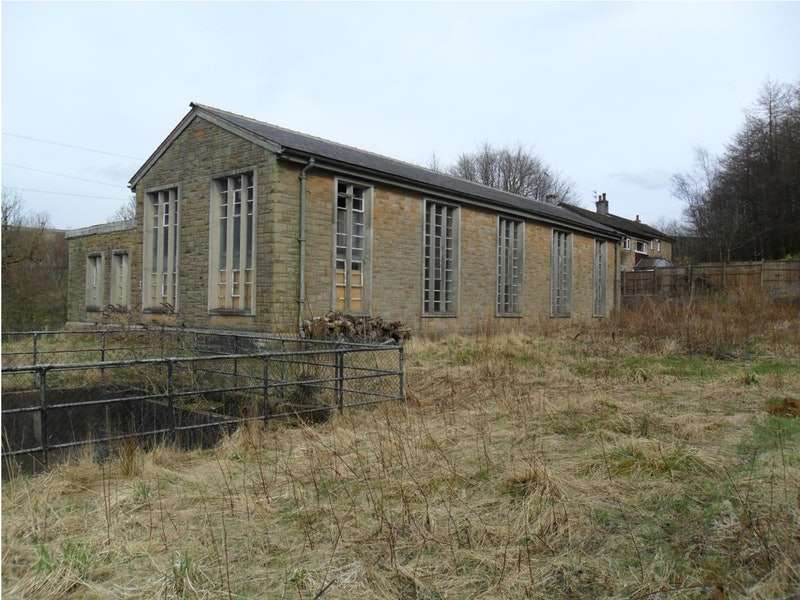 3 Bedrooms Property for sale in Off Hurst Road, Glossop, Derbyshire, SK13