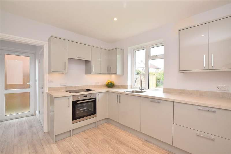 3 Bedrooms Semi Detached House for sale in Eversfield Road, Horsham, West Sussex
