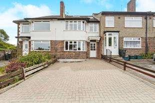 4 Bedrooms Terraced House for sale in Benhurst Gardens, Selsdon, South Croydon, Surrey