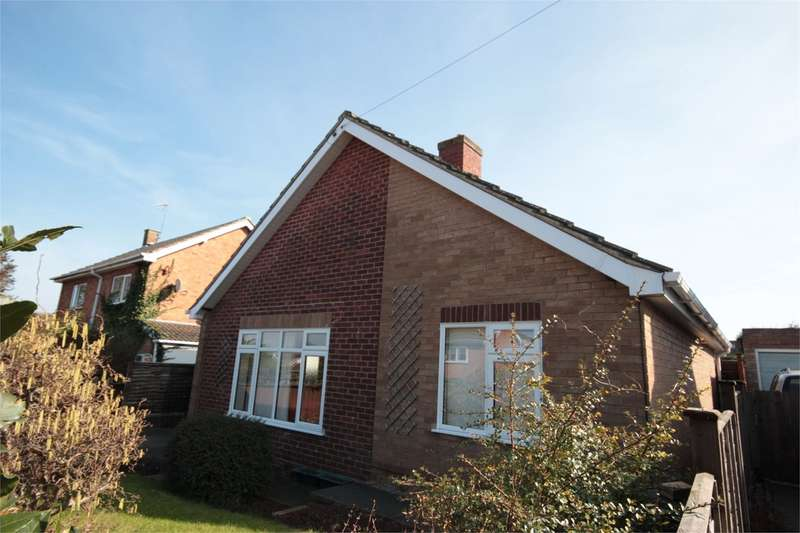 3 Bedrooms Detached Bungalow for sale in Elbury Park Road, Worcester, WR4
