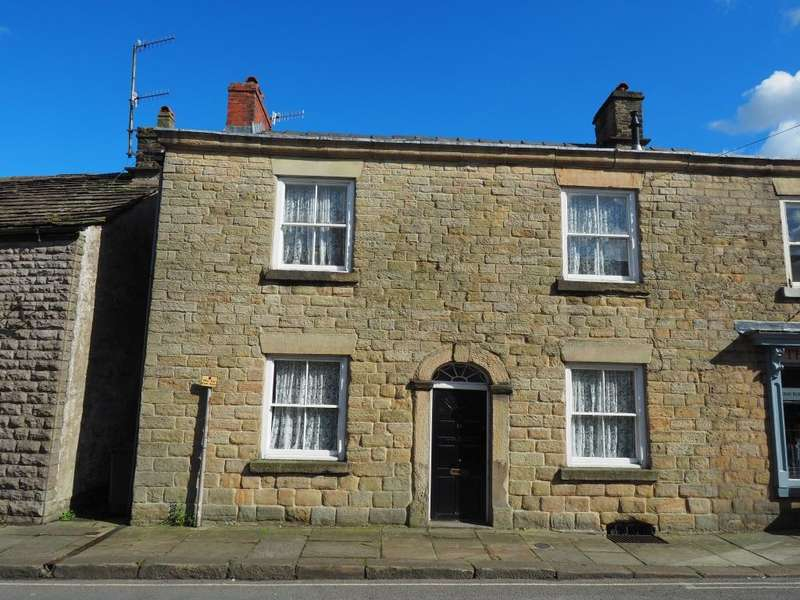 2 Bedrooms Semi Detached House for sale in Market Place, Chapel-en-le-Frith, High Peak, Derbyshire, SK23 0EN