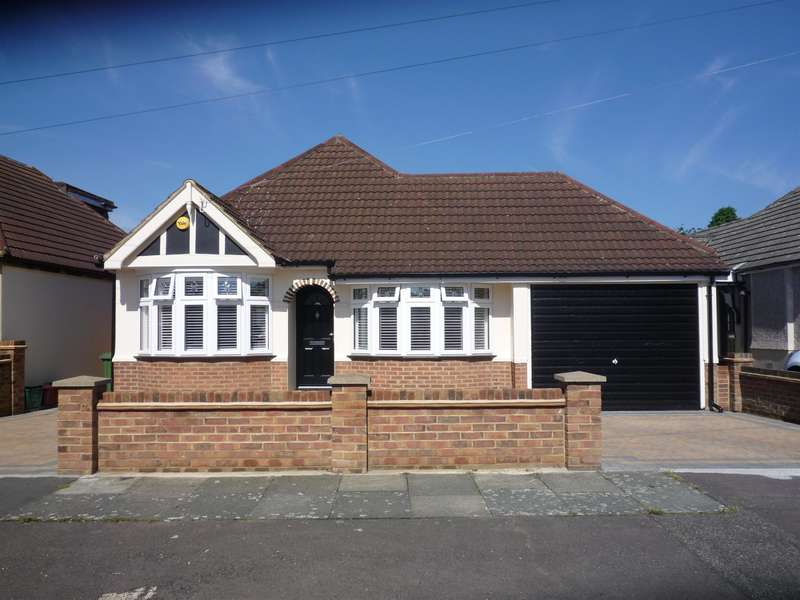 2 Bedrooms Detached Bungalow for sale in Rydal Drive, Bexleyheath, Kent, DA7 5DG