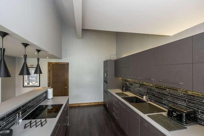 5 Bedrooms Detached House for sale in Newlands, Whitegate Fold, Charnock Richard, Lancashire, PR7