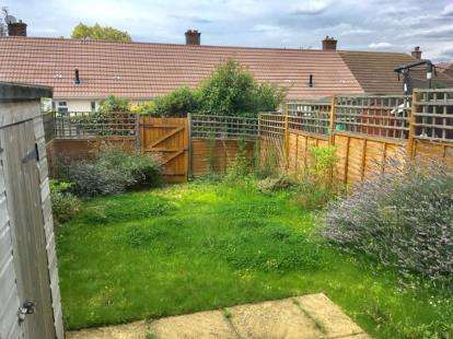 3 Bedrooms Terraced House for sale in Sunderland Road, Sandy, Bedfordshire