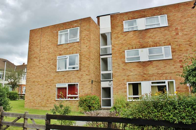 2 Bedrooms Flat for sale in Glengall Road, Woodford Green