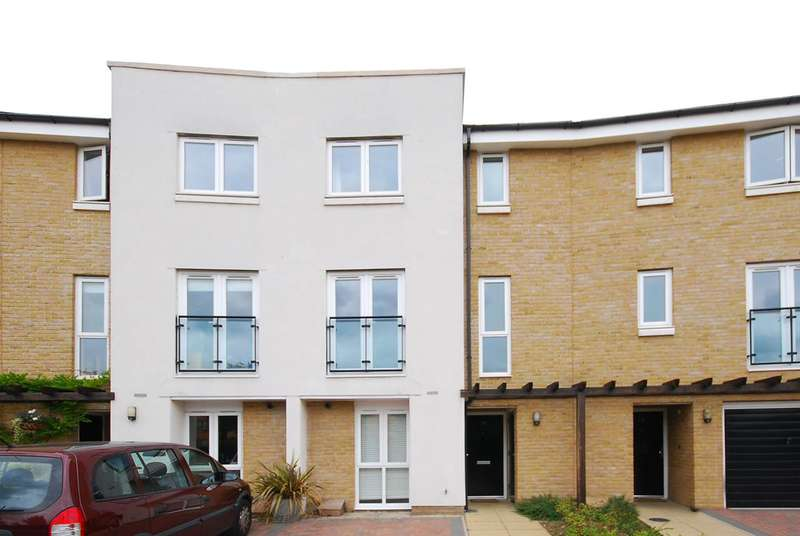 3 Bedrooms House for rent in Calypso Crescent, Peckham, SE15