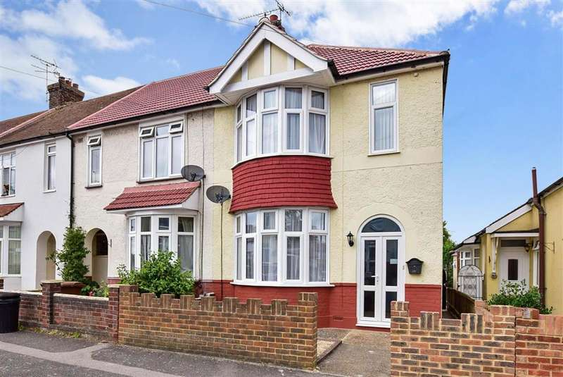 3 Bedrooms End Of Terrace House for sale in Brenchley Road, Twydall, Gillingham, Kent