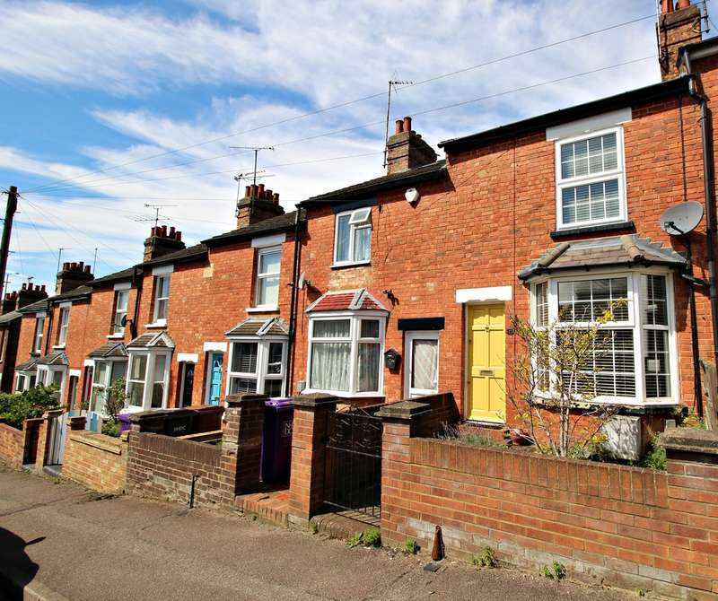 2 Bedrooms Terraced House for sale in Orchard Road, Hitchin, SG4