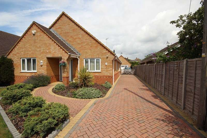 3 Bedrooms Bungalow for sale in Fairlie, RINGWOOD