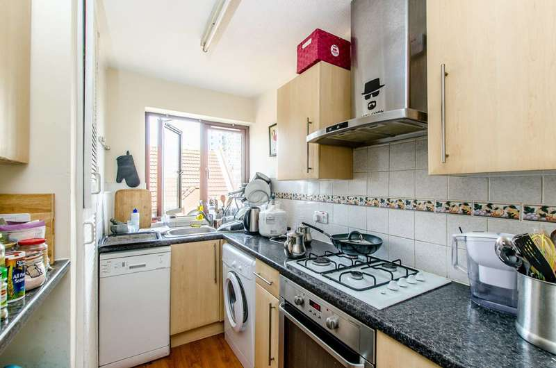 2 Bedrooms Flat for sale in Amsterdam Road, Isle Of Dogs, E14