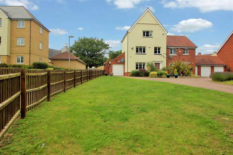 4 Bedrooms Town House for sale in Gavin Way, Myland, Colchester