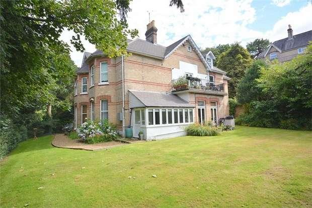1 Bedroom Flat for sale in Bodorgan Road, Meyrick Park, Bournemouth