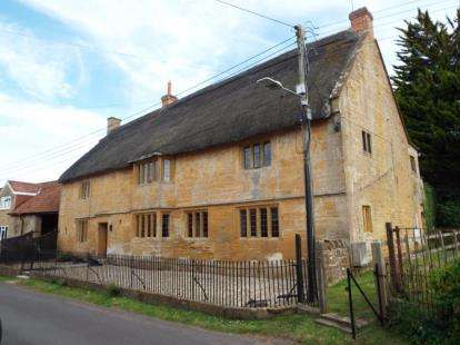 5 Bedrooms Detached House for sale in Bower Hinton, Martock