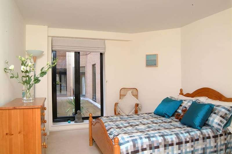 1 Bedroom Flat for sale in Cromwell Road, South Kensington, SW7