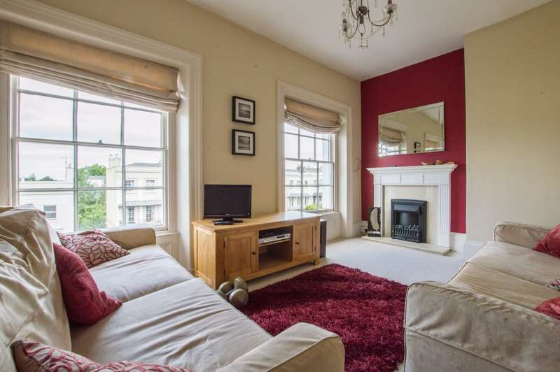 2 Bedrooms Flat for sale in Evesham Road, Cheltenham, GL52 2AA