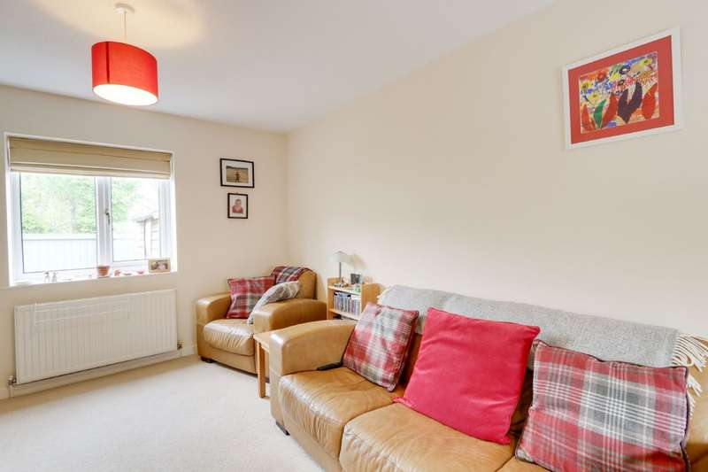3 Bedrooms End Of Terrace House for sale in Hadfield Court, Chudleigh Knighton