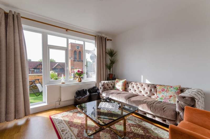 2 Bedrooms Flat for sale in Shenley Road, Borehamwood, WD6