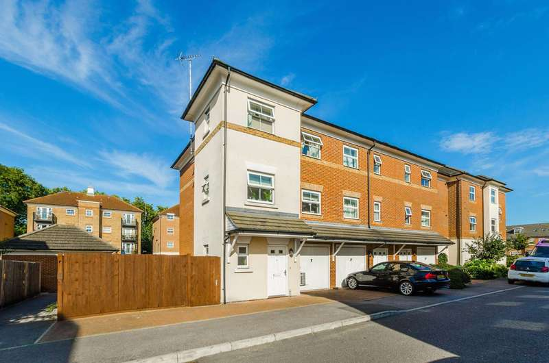 4 Bedrooms House for sale in Gilson Place, Muswell Hill, N10