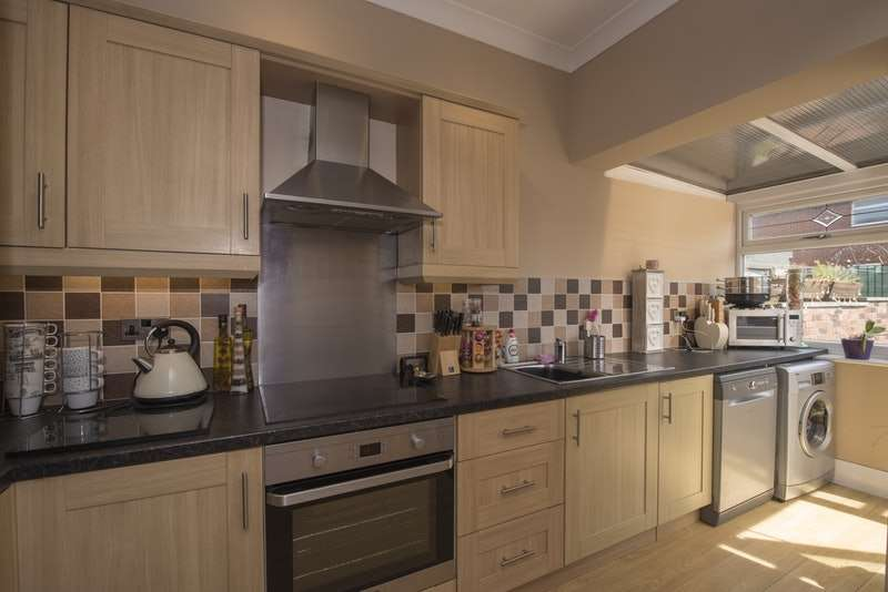 3 Bedrooms Terraced House for sale in Catherine Street, Preston, Lancashire, PR4