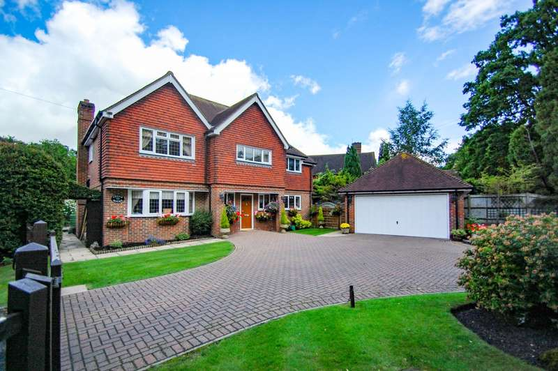 5 Bedrooms Detached House for sale in One Pin Lane, Farnham Common, SL2