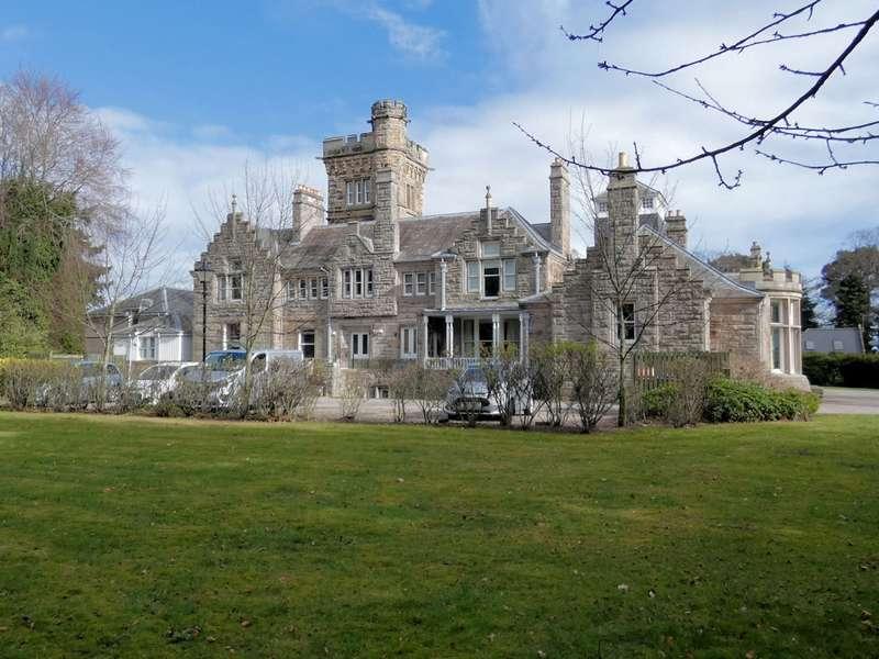 2 Bedrooms Flat for sale in 11 Lesmurdie House, South Lesmurdie, Elgin, IV30 4JF