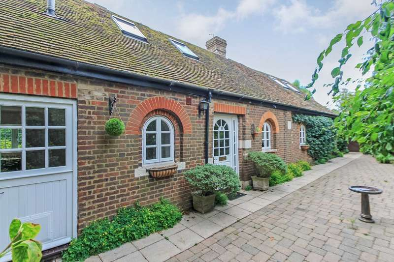 3 Bedrooms Detached House for sale in Ivy House Lane, Berkhamsted
