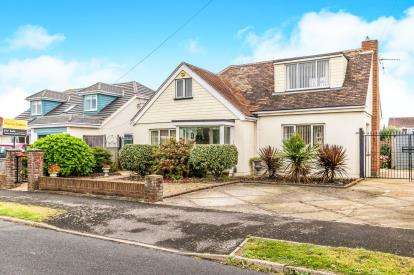2 Bedrooms Detached House for sale in Hayling Island, Hampshire, .