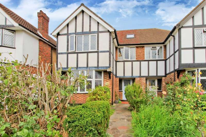 5 Bedrooms Semi Detached House for sale in George V Avenue, Pinner