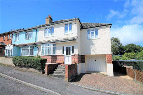5 Bedrooms Semi Detached House for sale in Pembroke Road, Poole
