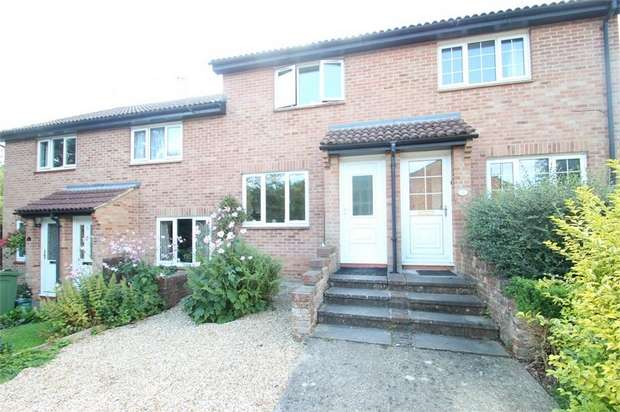 2 Bedrooms Terraced House for sale in Harms Grove, GUILDFORD, Surrey