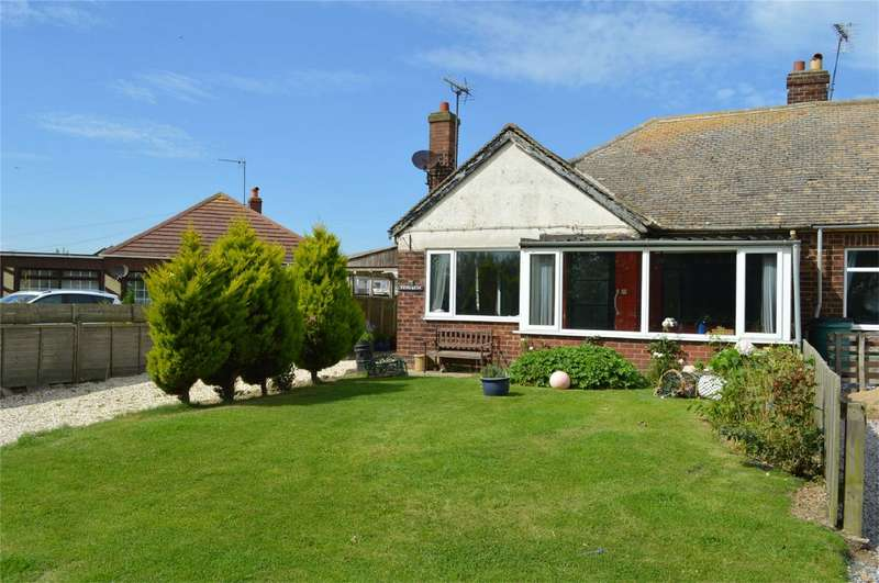 2 Bedrooms Semi Detached Bungalow for sale in 14 Cliff Road, Atwick, East Riding of Yorkshire